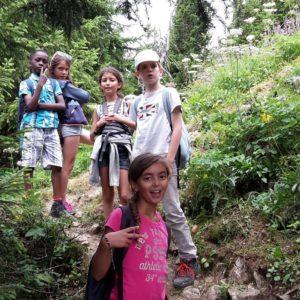 Les petits aventuriers en montagne